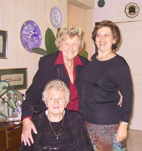 Nelda, Doris & Edda